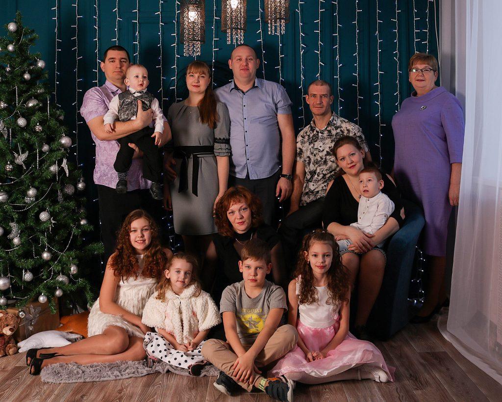 Ирина Владимировна с детьми и внуками